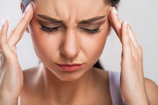 سردرد؛ یکی از علائم قند خون بالا